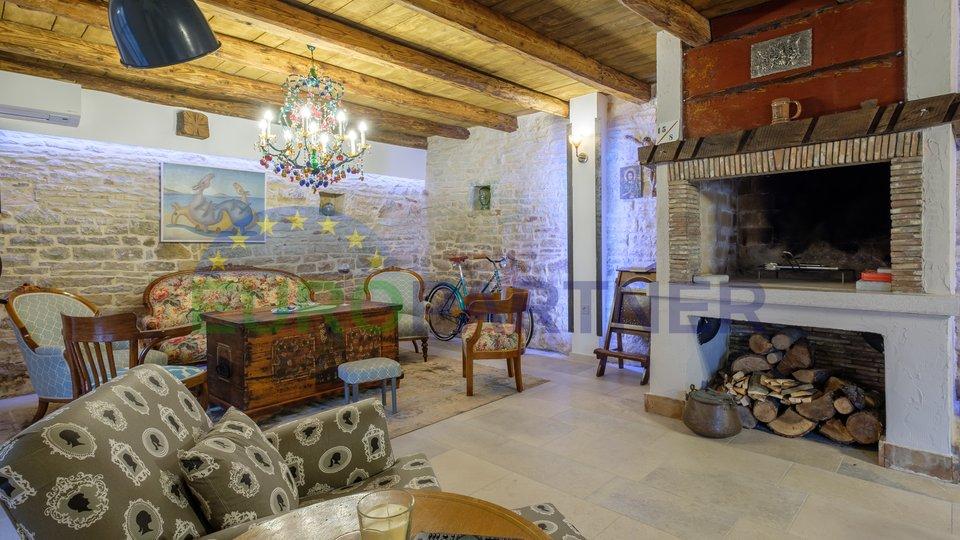 Istrische Steinvilla mit Pool,