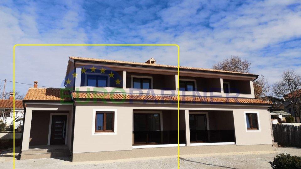 Doppelhaushälfte, in der letzten Bauphase 6 km von Poreč entfernt