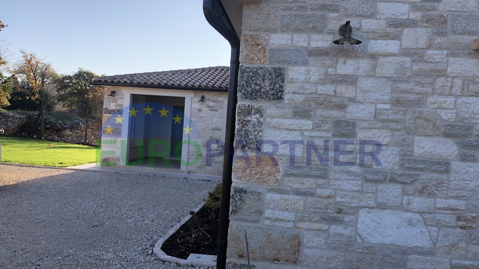 Novoizgrađena kamena kuća u tradicionalnom istarskom stilu, Svetvinčenat