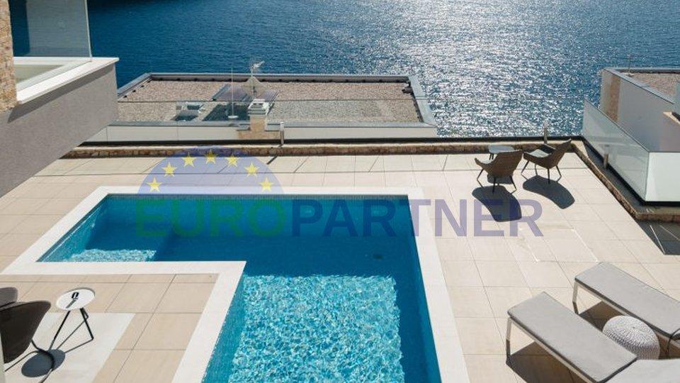 Luxus-Designer-Villa am Meer im Herzen von Dalmatien