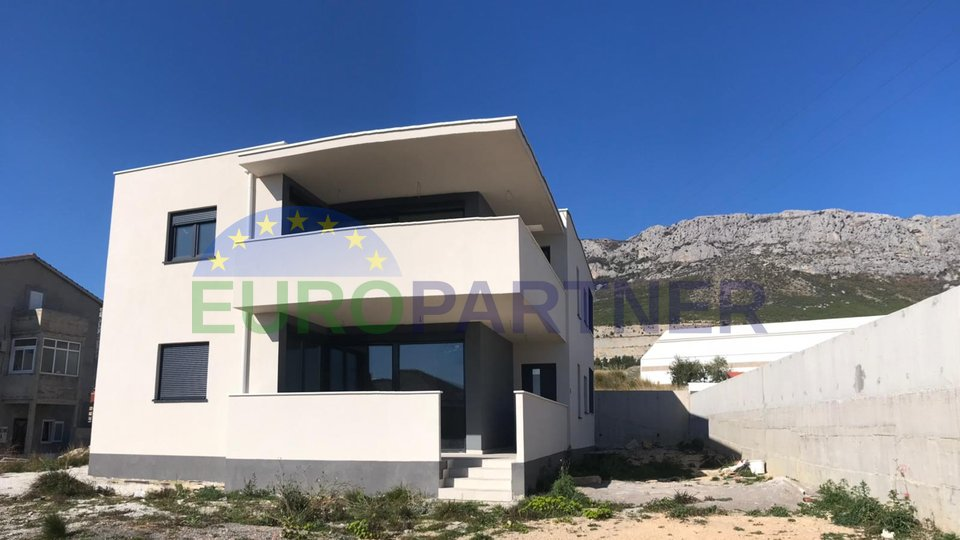 Modern villa with sea view and with additional land in price