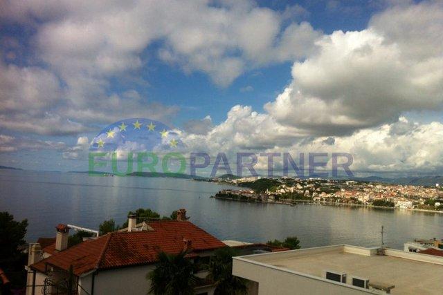 Kuća nadomak Splita sa otvorenim pogledom na more