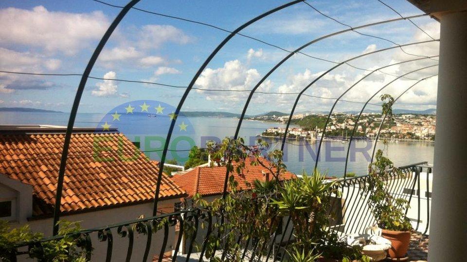 Casa vicino a Spalato con vista sul mare aperto