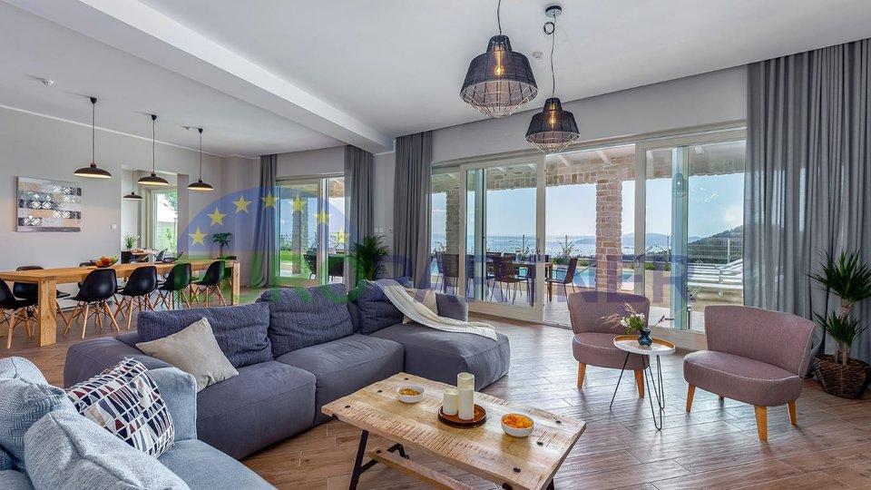Incantevole villa con vista sul mare sulle pendici dell'Učka