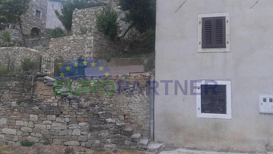 EKSKLUZIVNA PONUDA Stara kamena istarska kuća za adaptaciju, Motovun