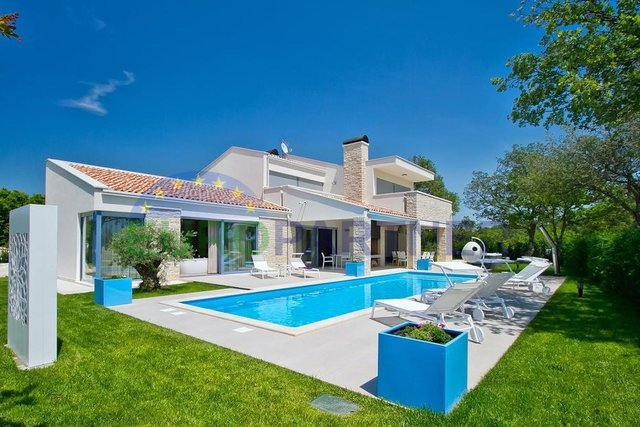 Luxury villa near the city of Porec
