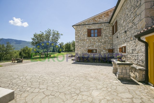 Renovated indigenous Istrian house with pool, Kršan