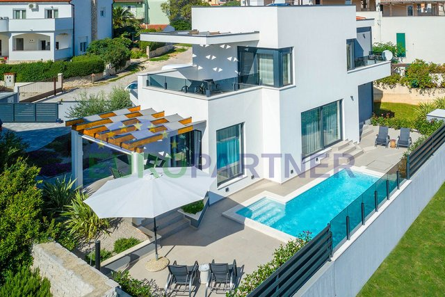 Newly built modern villa with open sea view and pool, Liznjan