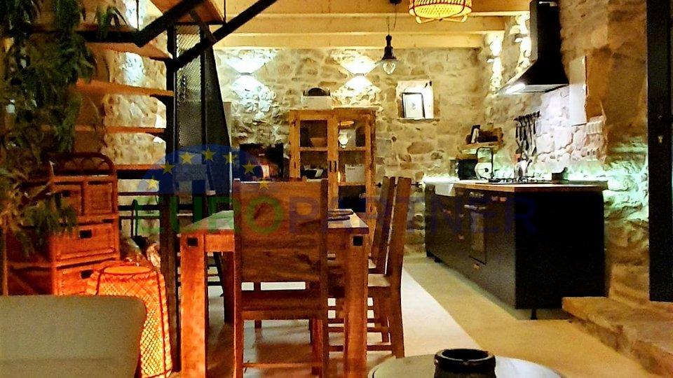 Haus, 90 m2, Verkauf, Kaštel Stari