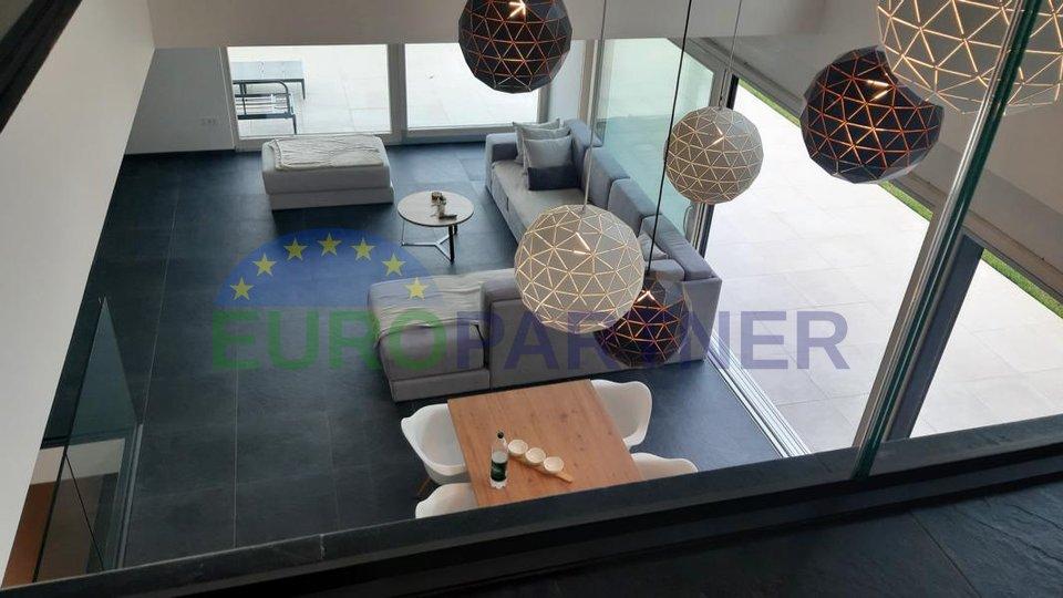 Villa moderna con una bellissima vista di Abbazia e Quarnero