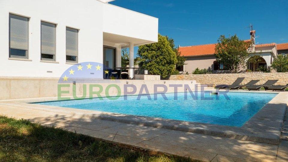 Modern villa with pool and beautiful views of Brijuni