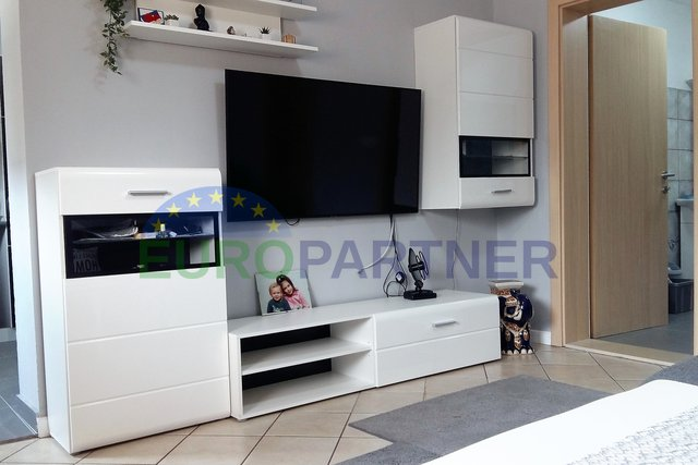 EXCLUSIVE OFFER, completely renovated apartment, Kastelir
