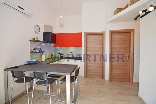 Beautiful three bedroom apartment near Porec