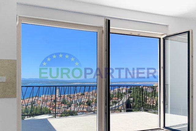 Novogradnja- Moderni stanovi sa otvorenim pogledom na more, bazenom i liftom, Crikvenica