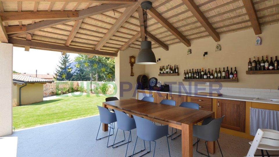Schöne neu erbaute Villa in ruhiger Lage, Svetvincenat
