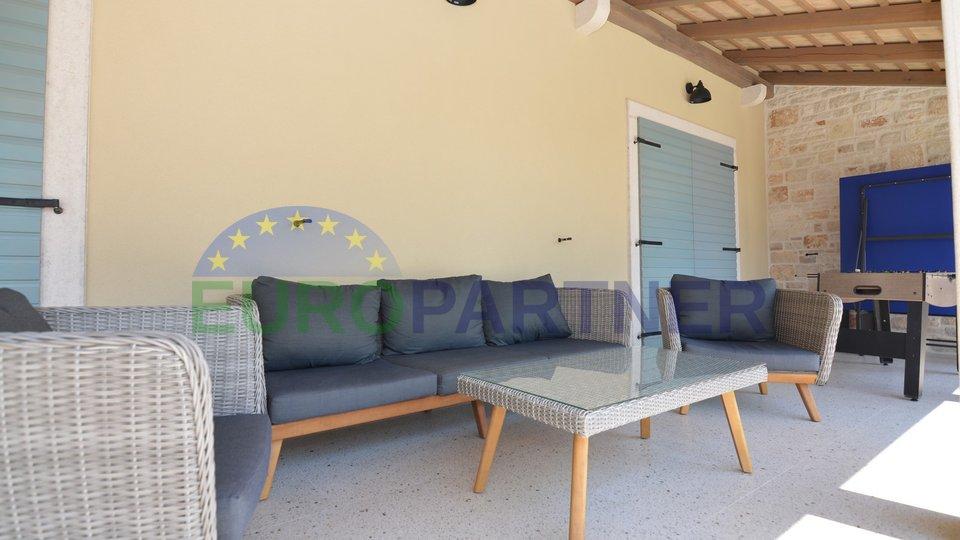 Predivna novoizgrađena vila na mirnoj lokaciji, Svetvinčenat