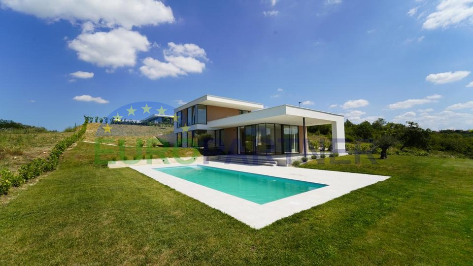 Beautiful, modern villa  with breathtaking sea views