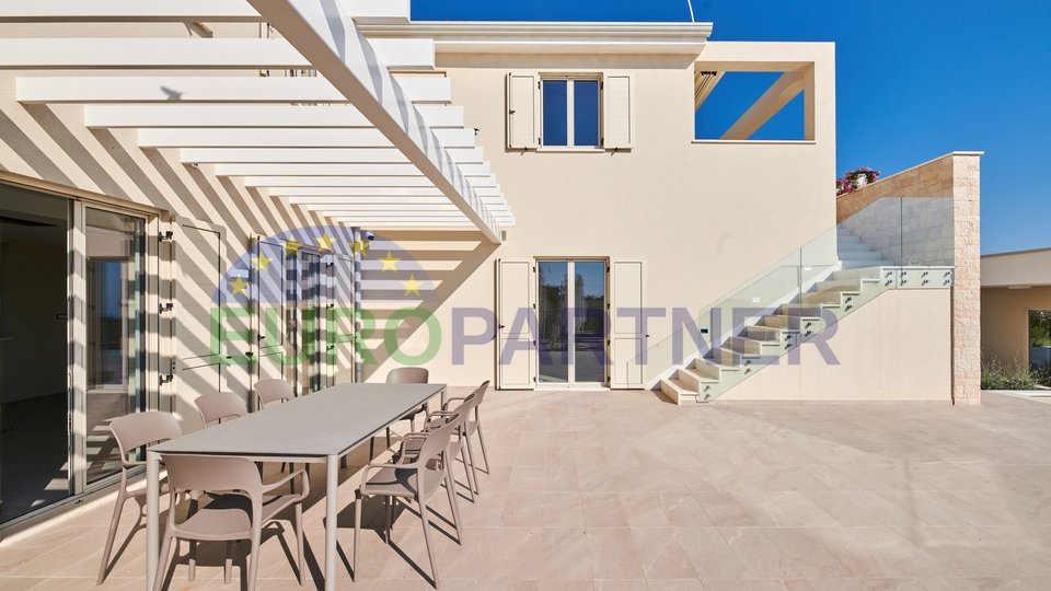 Beautiful new stone villa !