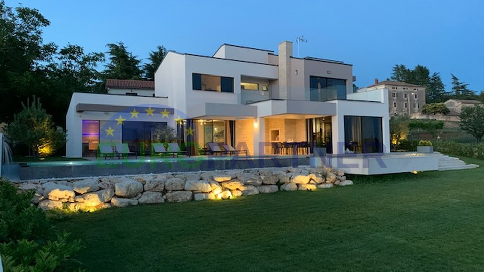 Magnificient villa with sea view!