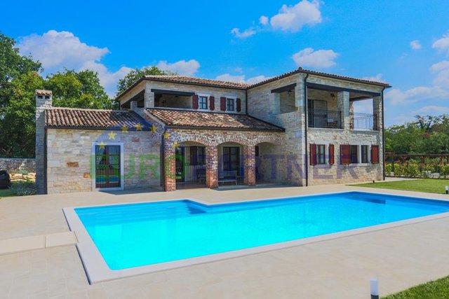 Eine beeindruckende Villa im Herzen Istriens