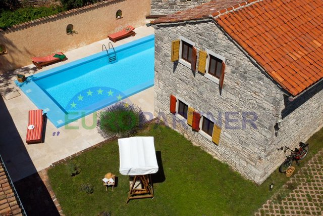 Charming Istrian house with pool