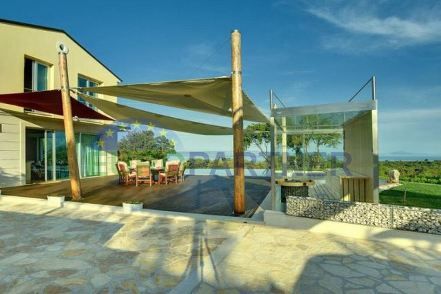 Luxusvilla in bester Lage mit herrlichem Meerblick