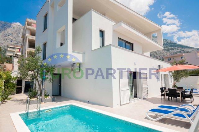 Modern villa with beautiful sea views