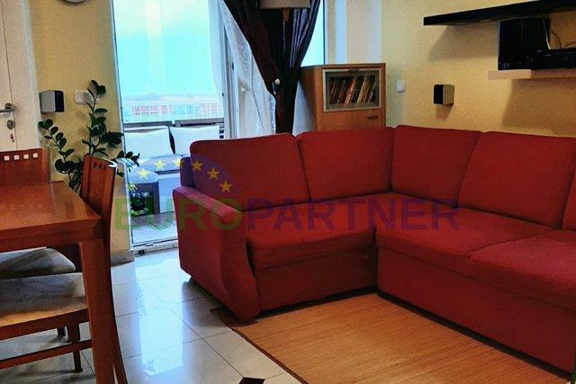 Stan 50 m2 sa dvije spavaće sobe, pogled more