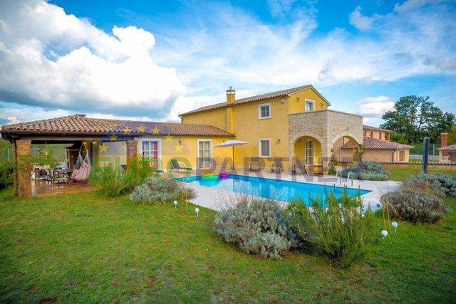 Kuća, 253 m2, Prodaja, Barban
