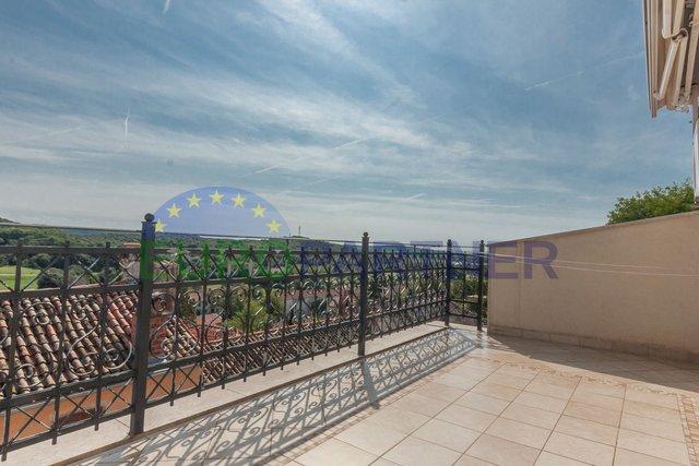 Kuća, 350 m2, Prodaja, Vrsar