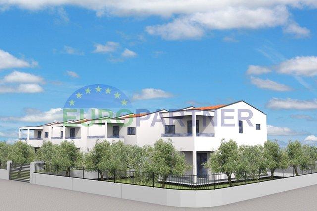 Novogradnja - 3 lijepe kuće 6 km od Poreča
