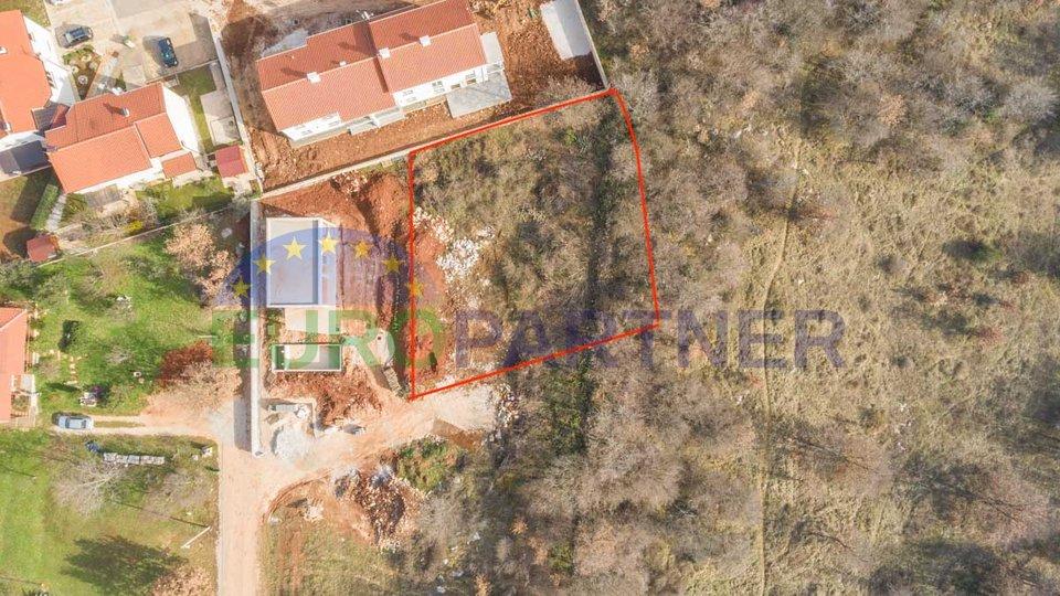 Građevinsko zemljište 923 m2 na lijepoj lokaciji