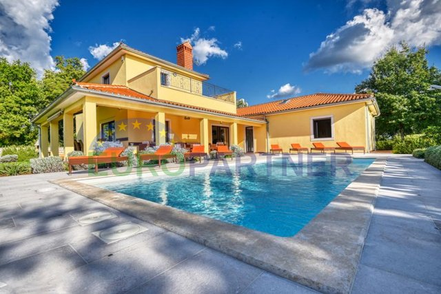 Mediterranean villa with swimming pool located in the heart of Istria