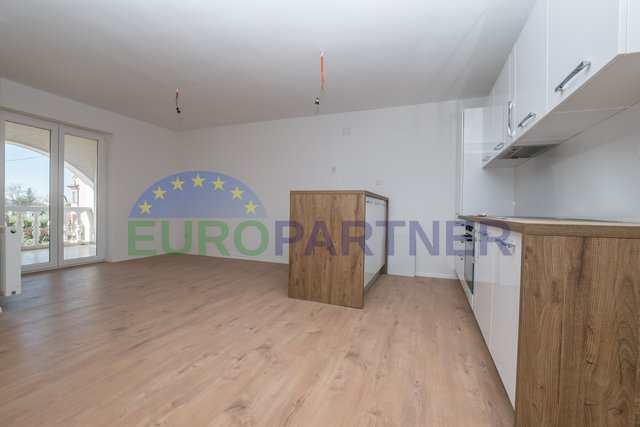 Porec, Modern apartment with three bedrooms