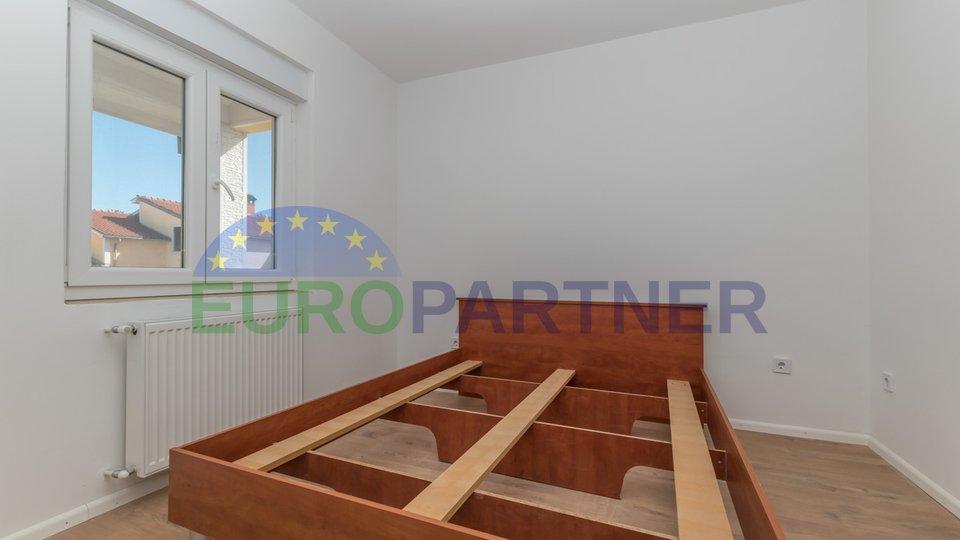 Poreč, Moderan stan s tri spavaće sobe