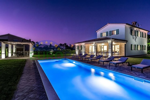 Porec, surroundings, villa with 4 bedrooms and pool
