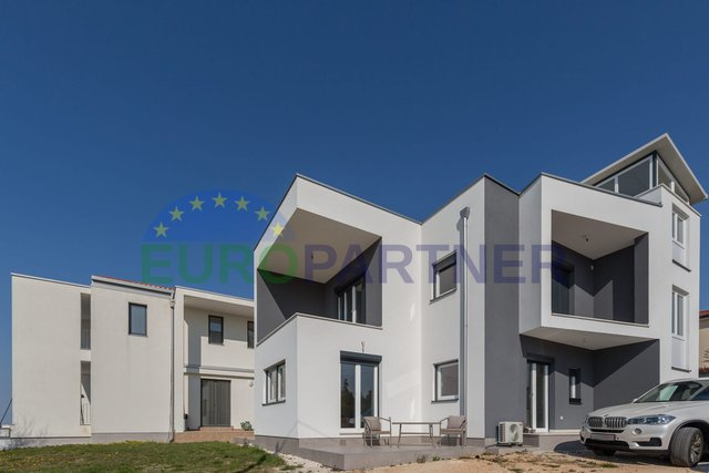 Modern villa with pool and sea view, 6 km from Porec