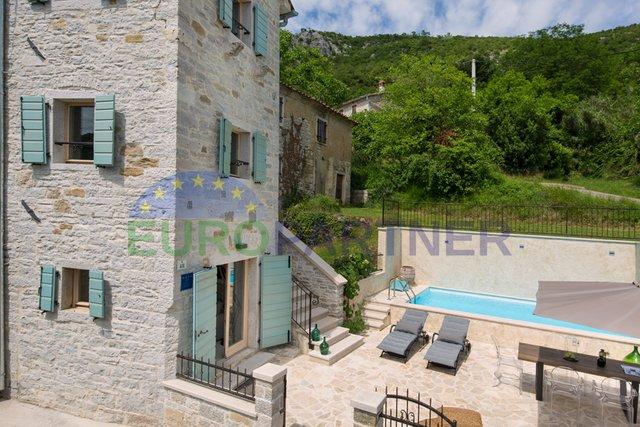 Motovun, dizajnerska kamena kuća sa bazenom i panoramskim pogledom