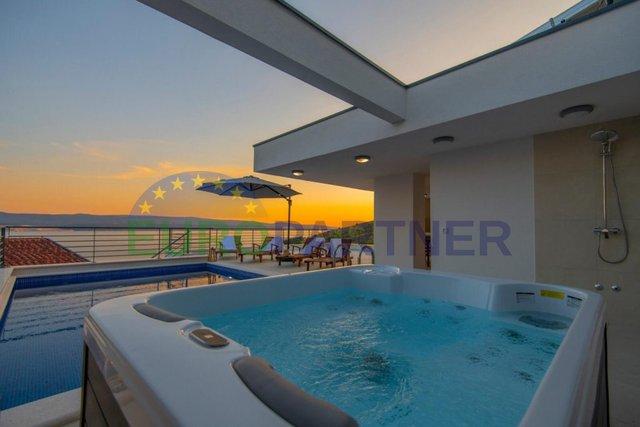 Predivna vila s otvorenim pogledom na more