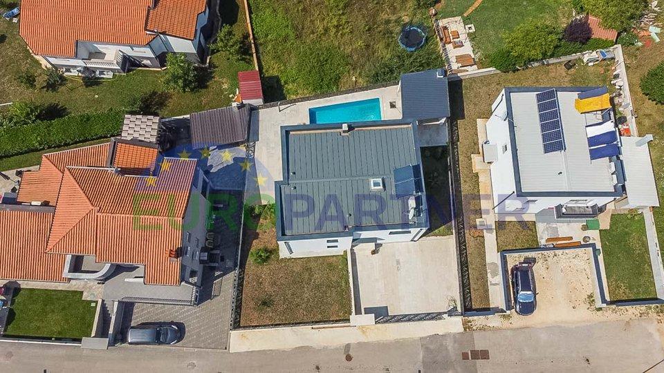 Vila suvremene arhitekture s bazenom, Poreč