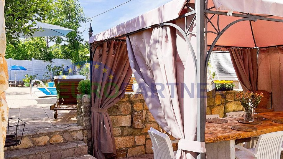 Unikat na tržištu- prekrasna  kamena vila s bazenom