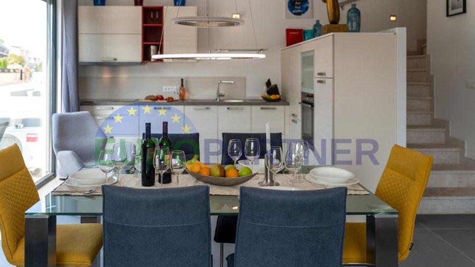 """""""Casa Jugo""""savršena kuća modernog dizajna u blizini mora"""