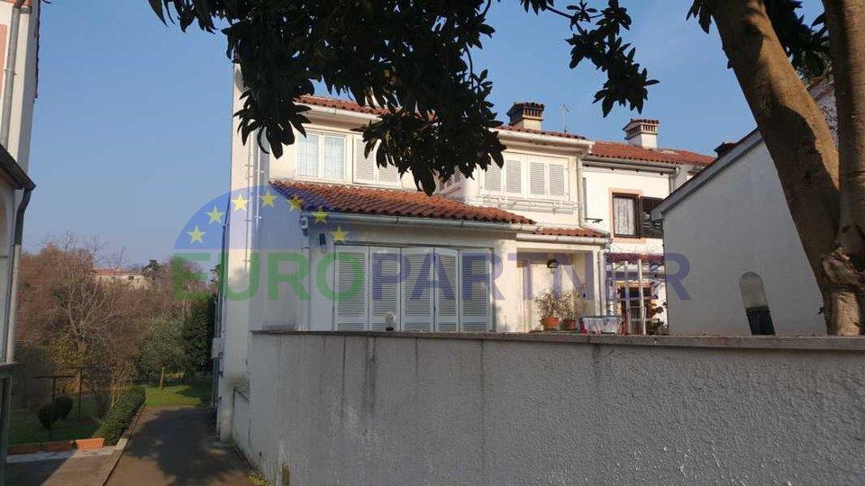 Una bella  casa vicino al centro della città di Parenzo e il mare