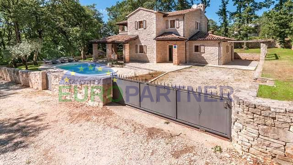 Beautiful stone villa with pool, on a very quiet location!