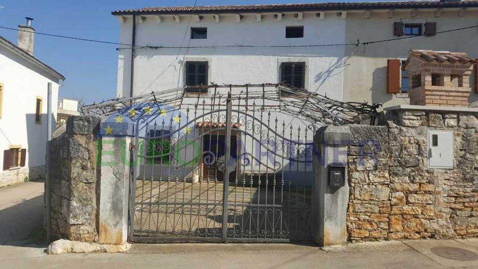 Haus zur Renovierung In der Nähe der Stadt Porec und Meer