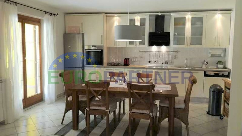 Idyllic detached house surrounded by greenery, away from the center of Porec and the sea 7 km