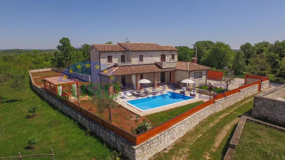 Exclusive stone house with a beautiful view, near the town of Porec