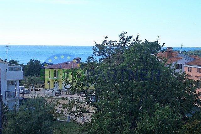Stan od 90m2  u blizini mora i grada