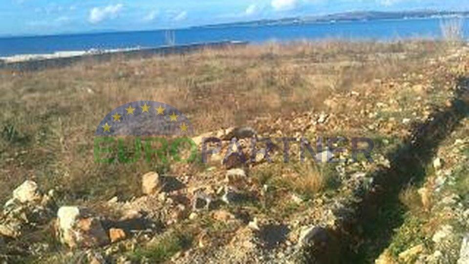 Terreno edificabile sulla spiaggia vicino a Zara
