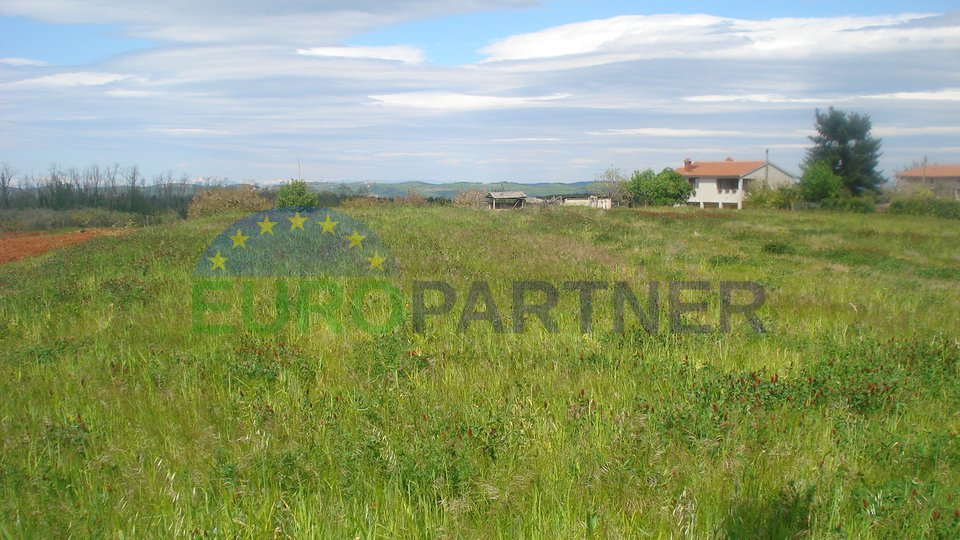 OPPORTUNITY FOR INVESTORS! Land with sea view